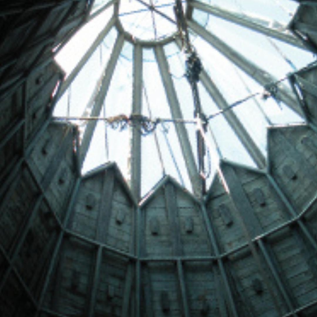 THUMB_FEAT_Abandoned_HopewellOutside_stairs_0614